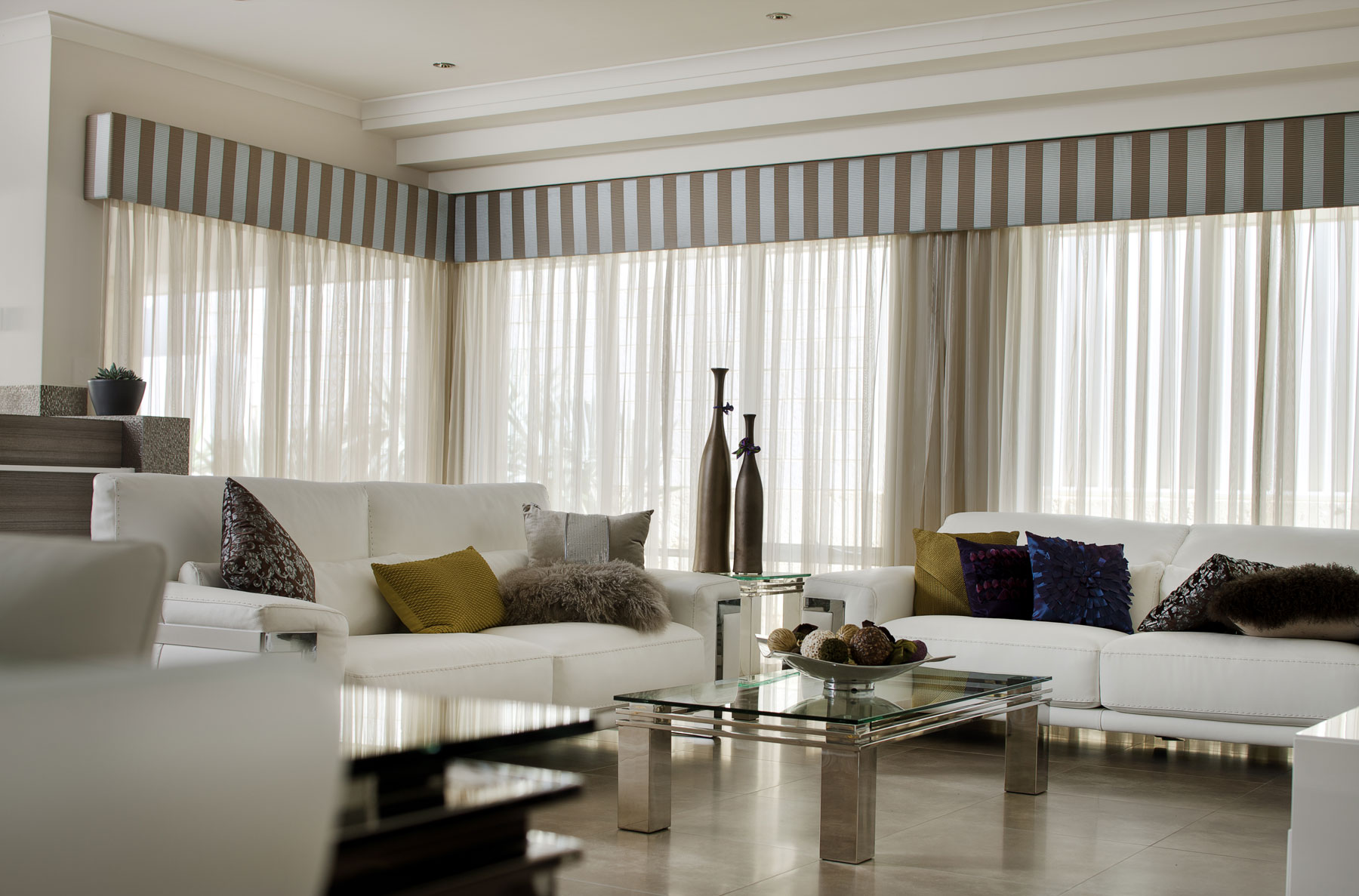 Sheer curtains accent blinds for Latest trends in curtains
